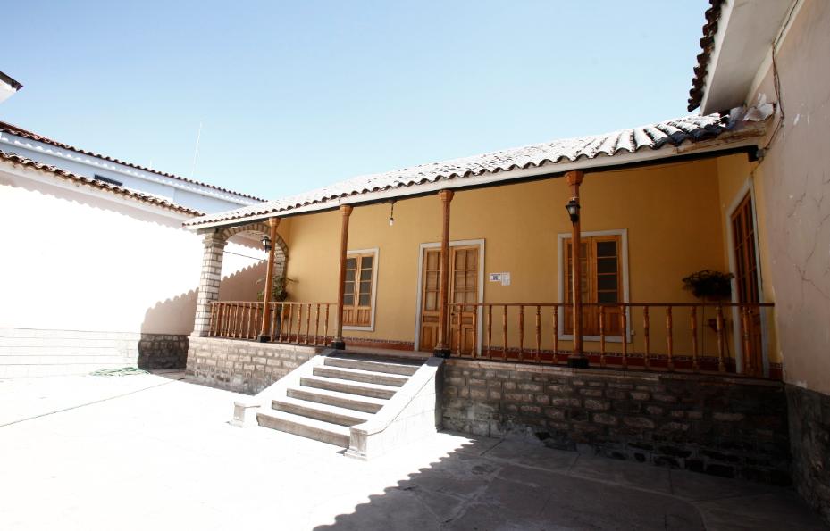 La casa de mi abuelo Federico. Por cosas del destino y leguleyadas, terminó siendo la sede de Topytop. Así es la vida.