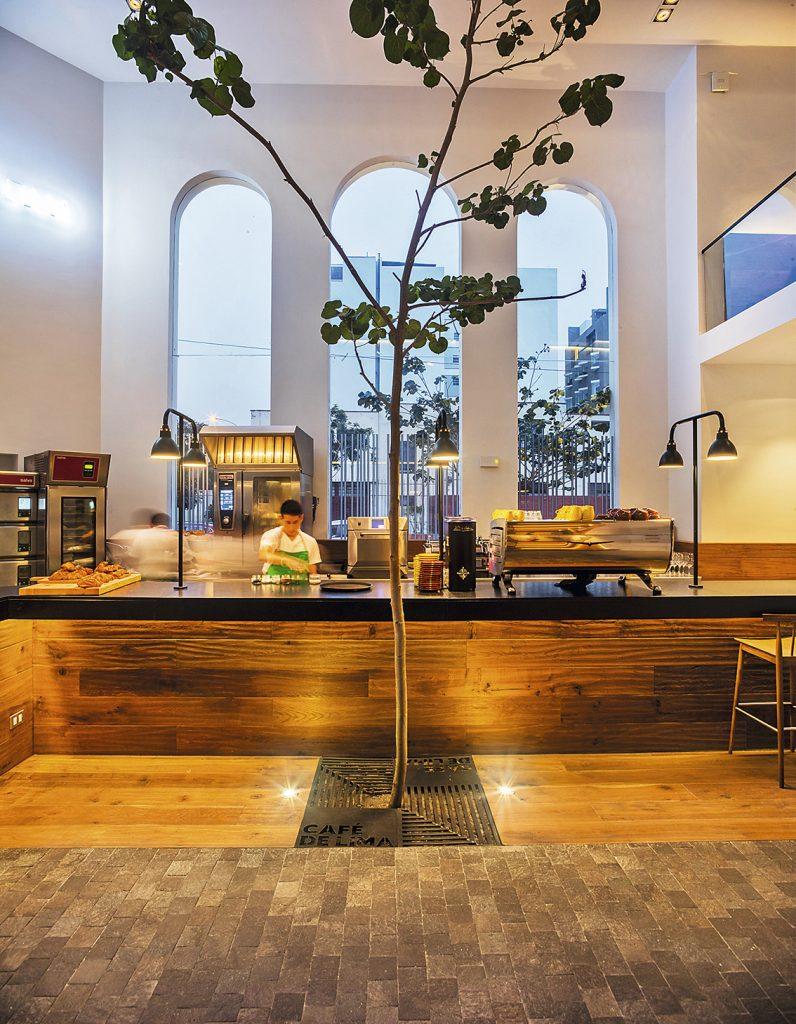 CAFÉ DE LIMA